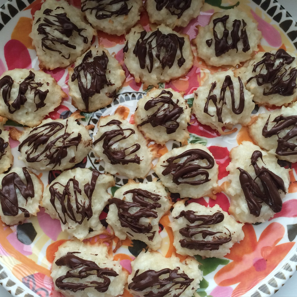EAT | Chocolate Coconut Macaroon Cookies