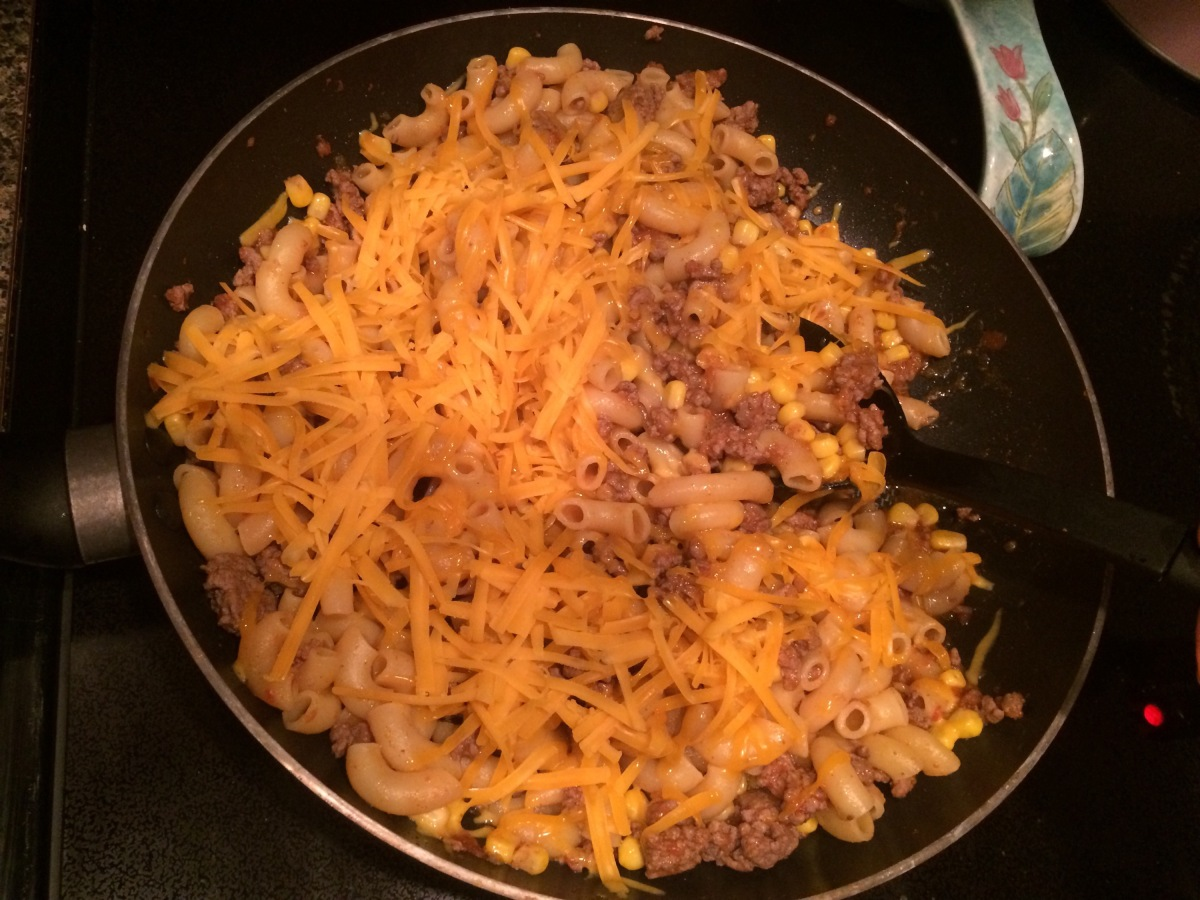 EAT | One Pan Meal : Cheesy Taco Pasta