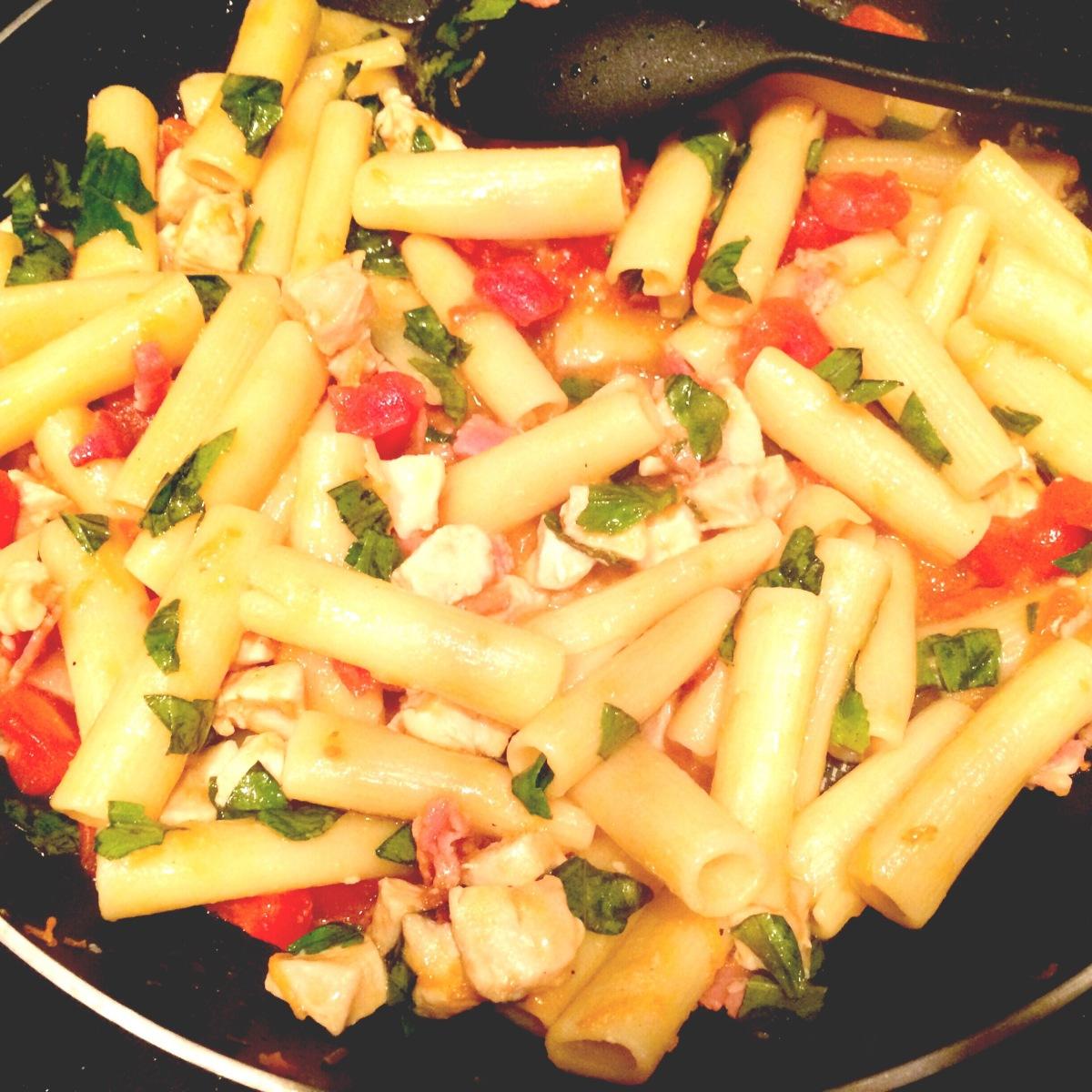 EAT | Rigatoni with ChickenRagu