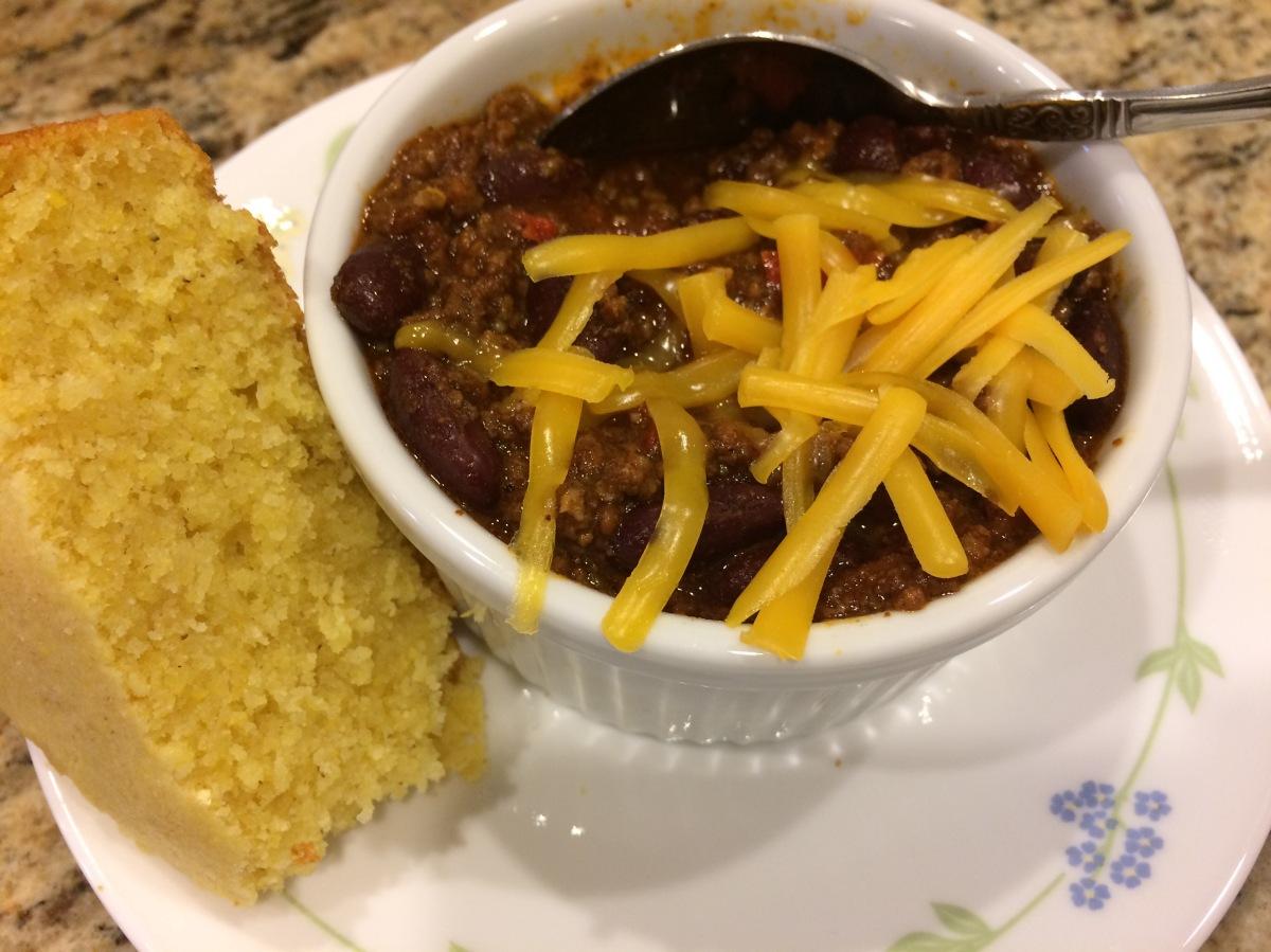 EAT | Crockpot Chili +Cornbread