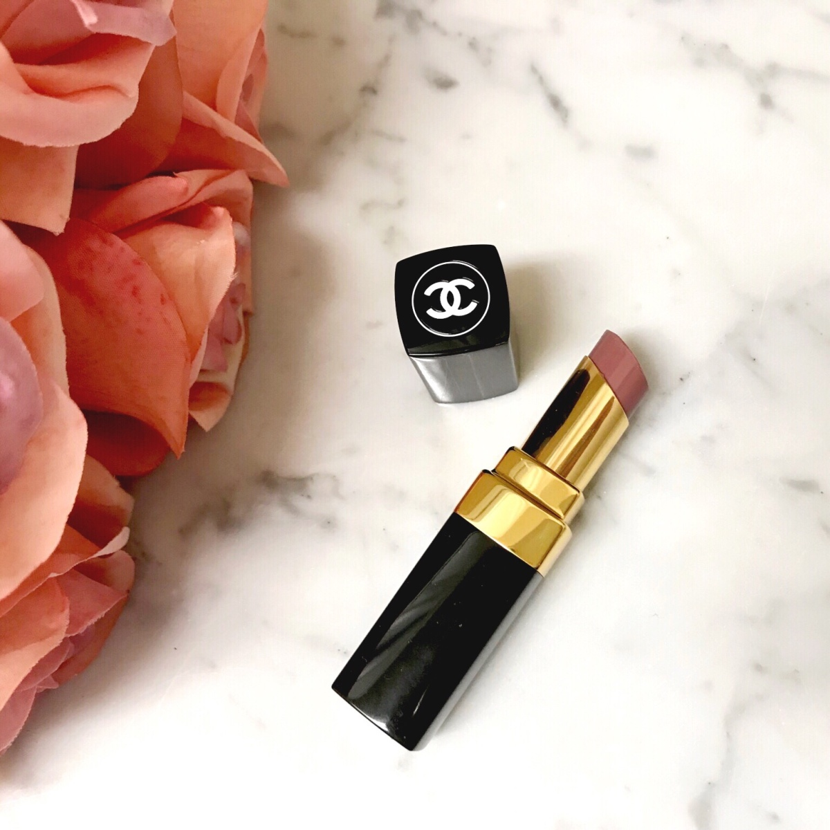 Chanel Rouge Coco Shine Lipstick Review | 93 Intime