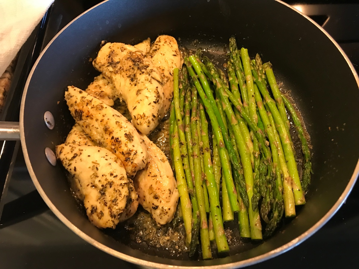 EAT | One Pan Chicken + Asparagus